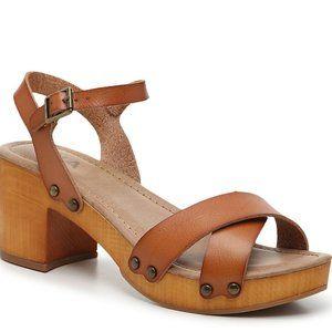 NWOB MIA Clog Sandals Block Heel Size 7